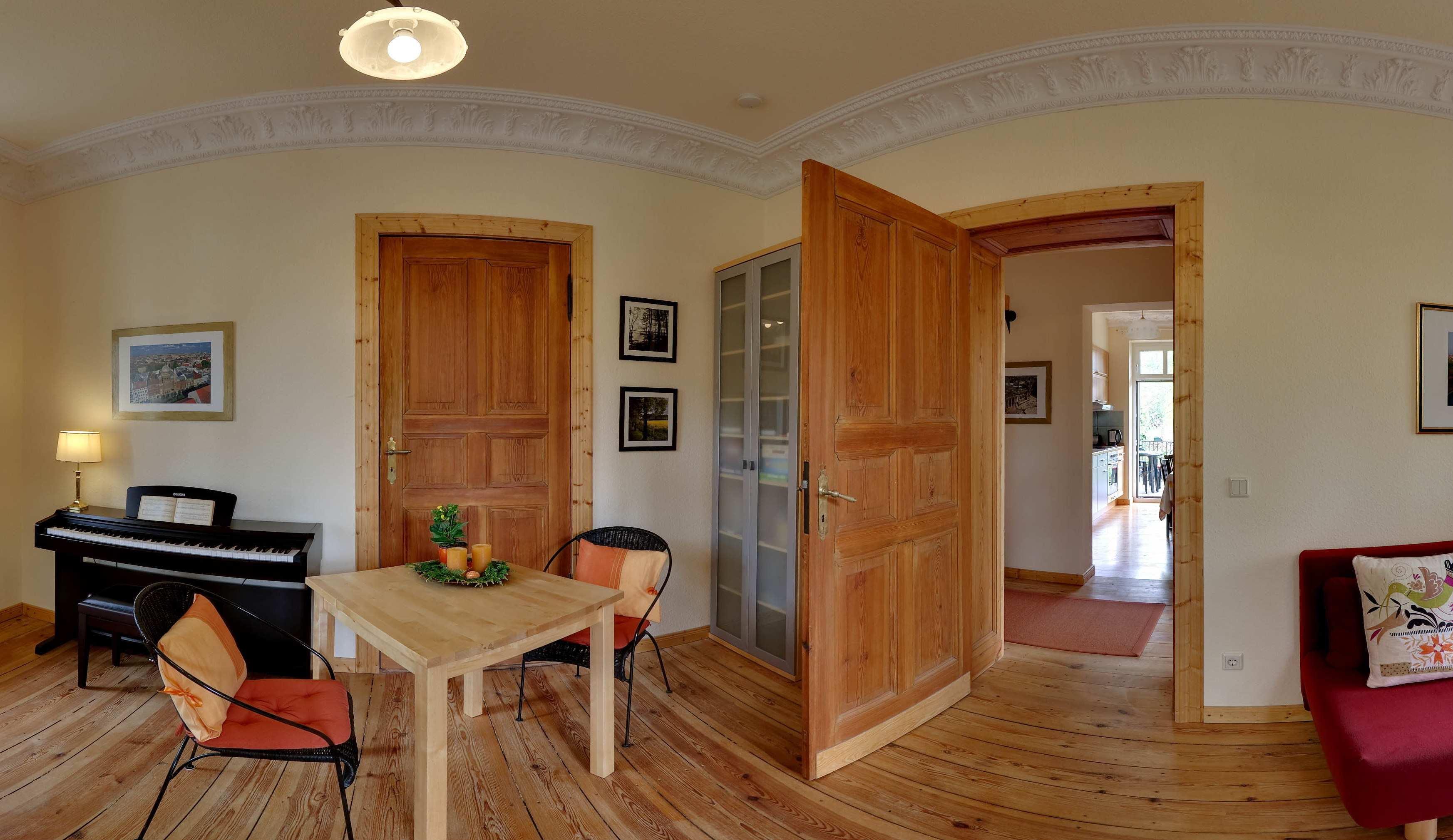Villa seepark vacation apartment berlin germany eco for Warmer bodenbelag wohnzimmer
